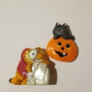 Jewelry - 2 Vintage Plastic Halloween Pins